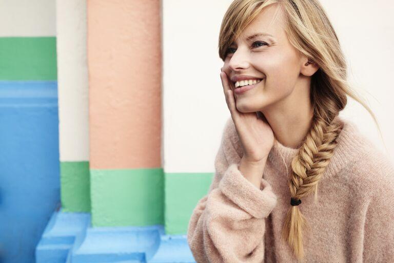 Подтягивающий крем для лица: как подтянуть щеки и овал лица, упражнения