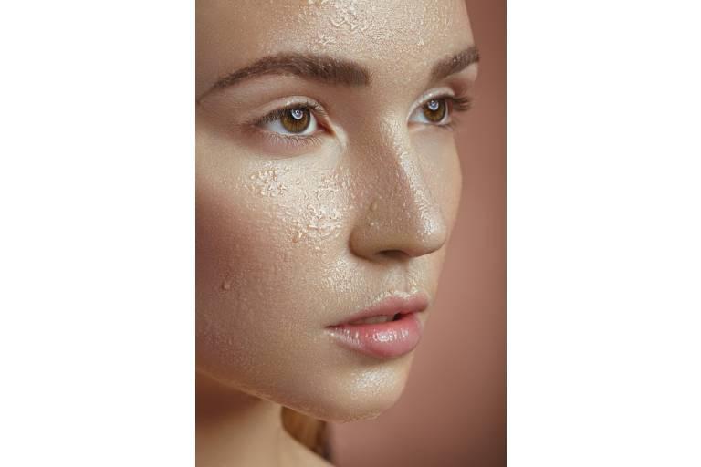 Глицерин увлажняет кожу