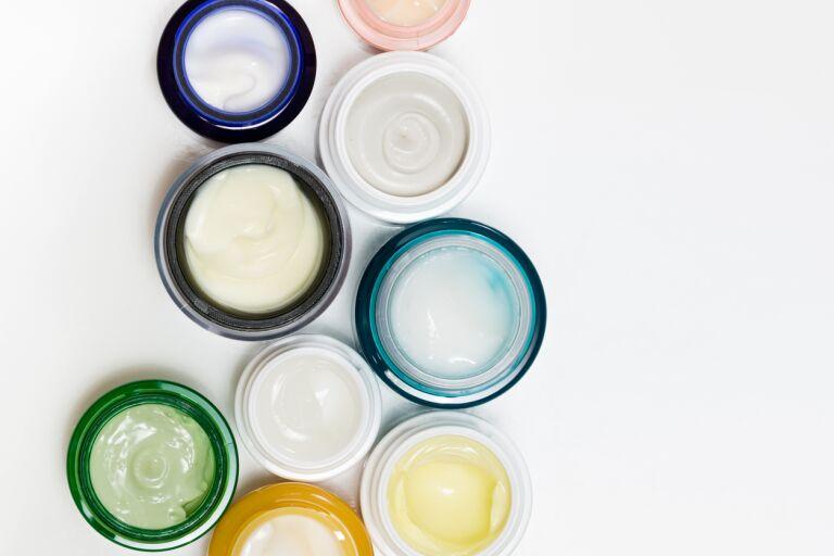 Для кожи жидкий или в капсулах витамин а