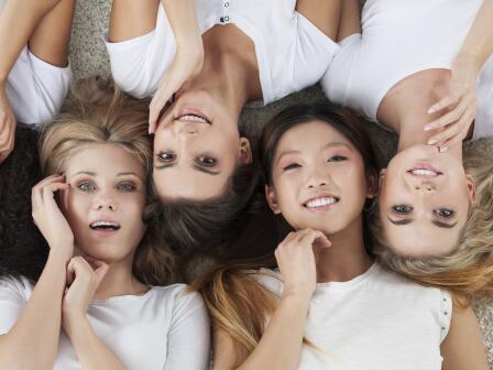 девушки с разными фототипами