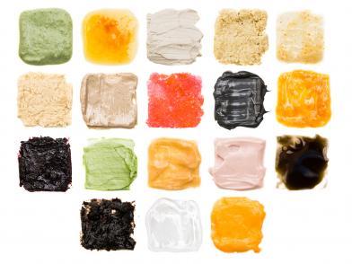 Разноцветные текстуры косметических кремов