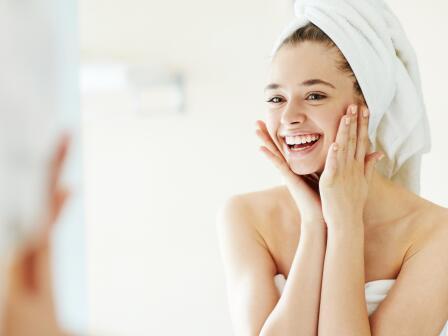 Для сухой кожи считается нормой, если после очищения...