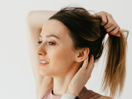 Если вы соберете все волосы в хвост, сколько раз сможете протянуть их через небольшую резинку?